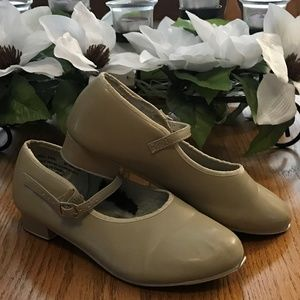 Girl's Pair of 5AD Revolution Dancewear Tap Shoes